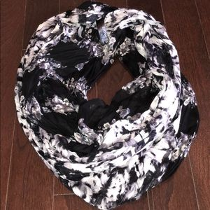 Express flowered infinity scarf